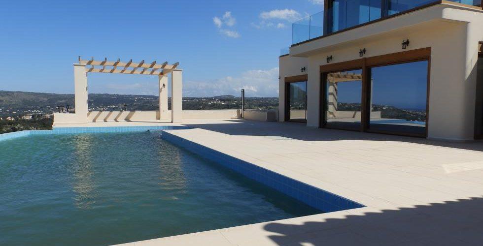 HOUSE IN APOKORONAS 10