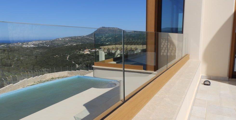 HOUSE IN APOKORONAS 7