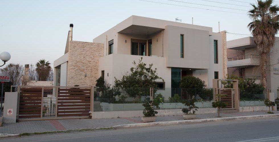 HOUSE IN STALOS 11