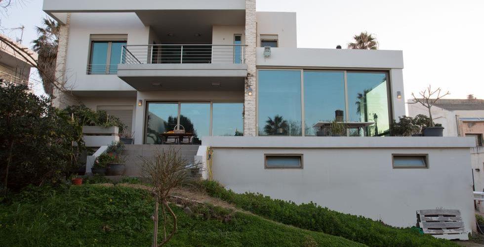 HOUSE IN STALOS 6